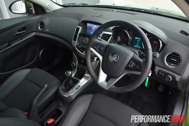 2015 Holden Cruze SRi-interior