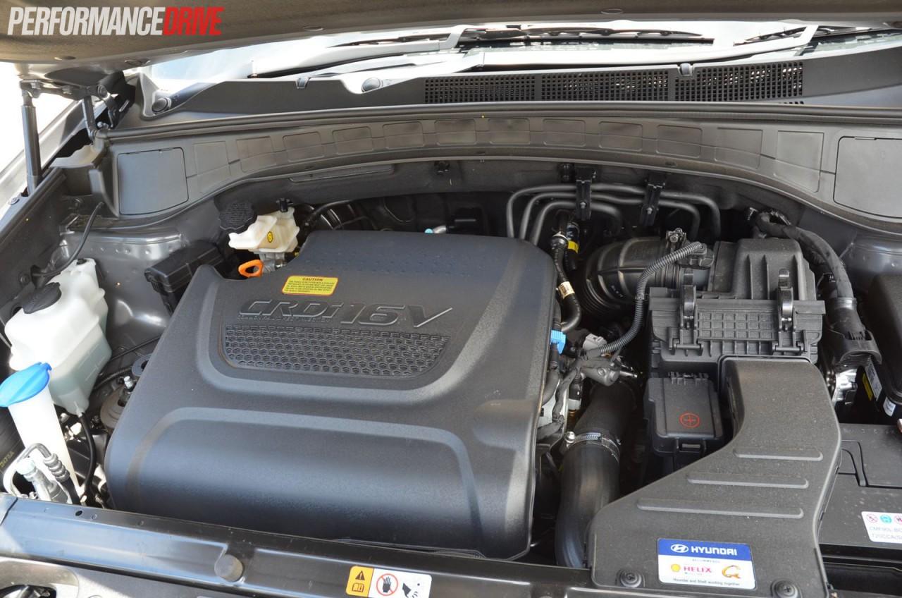 2015 hyundai santa fe elite review video performancedrive rh performancedrive com au hyundai santa fe diesel workshop manual 2004 Hyundai Santa Fe