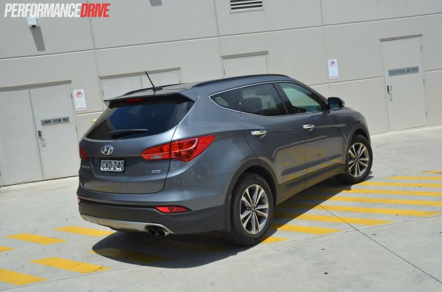 2015 Hyundai Santa Fe Elite rear side