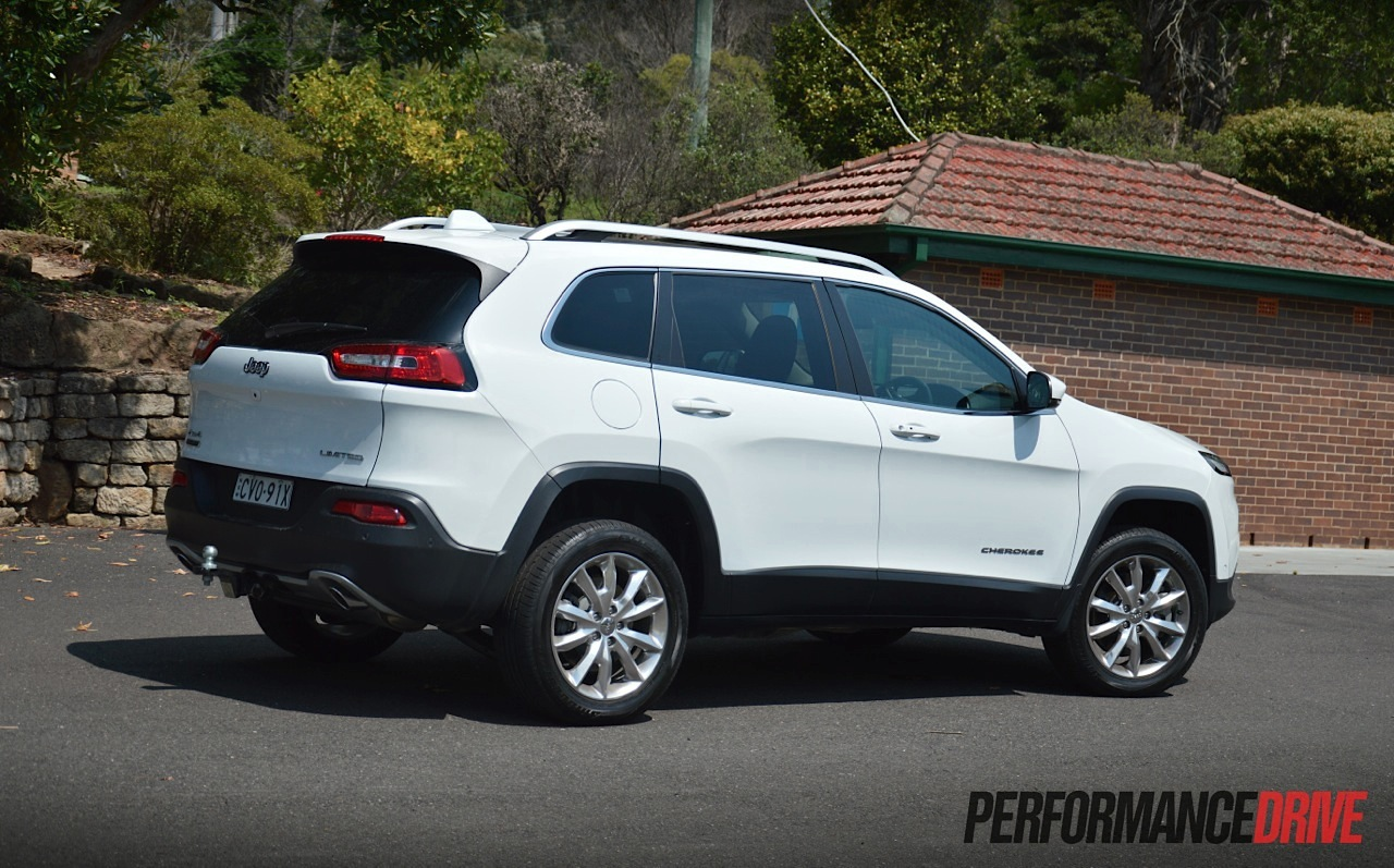 2015 jeep cherokee limited diesel review video performancedrive. Black Bedroom Furniture Sets. Home Design Ideas