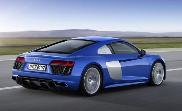 2016-Audi-R8-rear