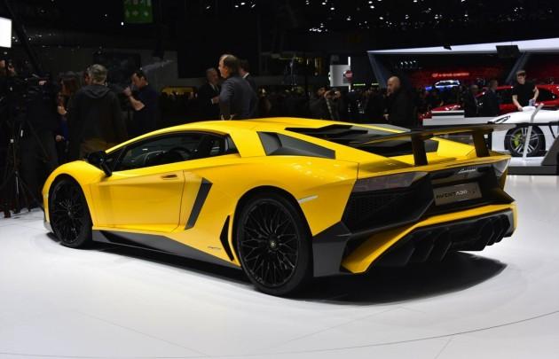 Lamborghini Aventador SV-rear