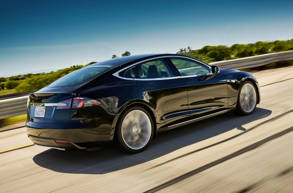tesla model s getting software update to quot end range anxiety quot performancedrive