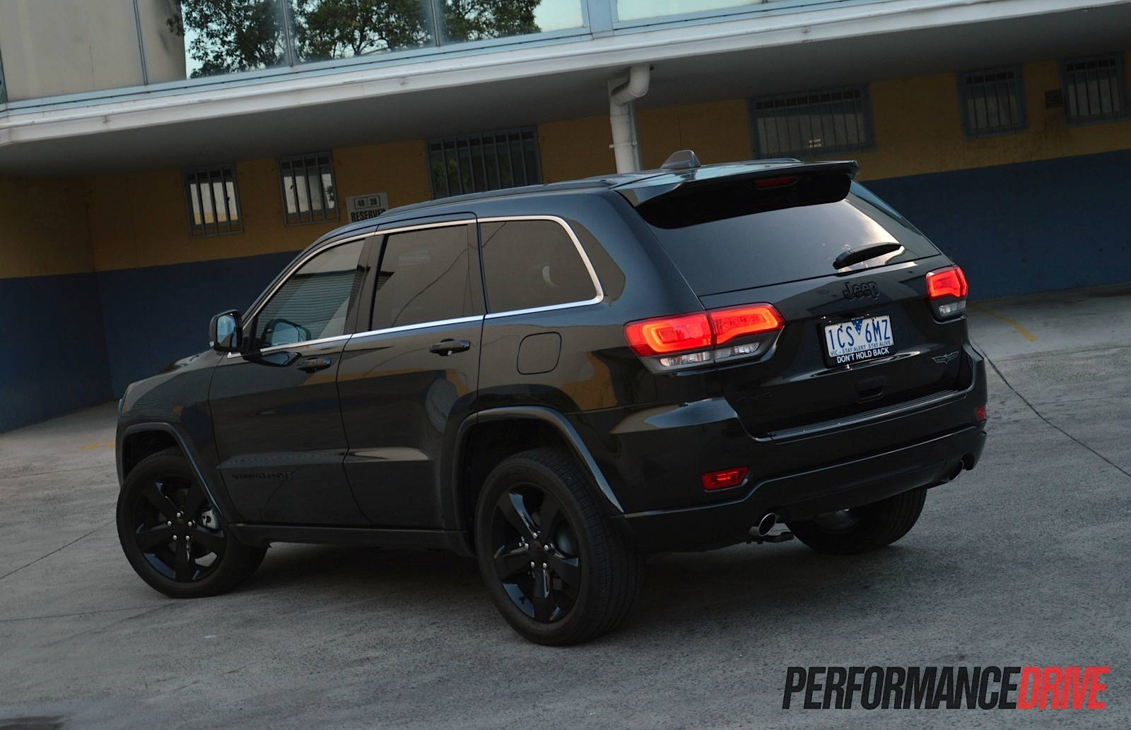should you buy a 2015 jeep grand cherokee performancedrive. Black Bedroom Furniture Sets. Home Design Ideas