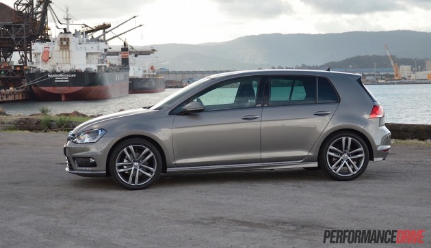 2015 Volkswagen Golf 110TDI R-Line-side