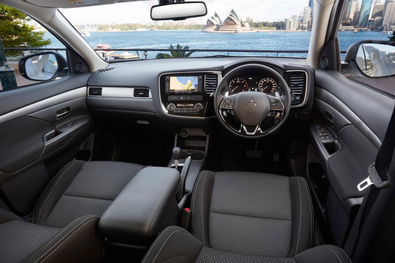 2016 Mitsubishi Outlander review - Australian launch (video) | PerformanceDrive