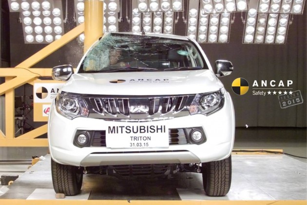 2016 Mitsubishi Triton crash test