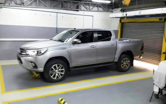 2016 Toyota HiLux-spotted
