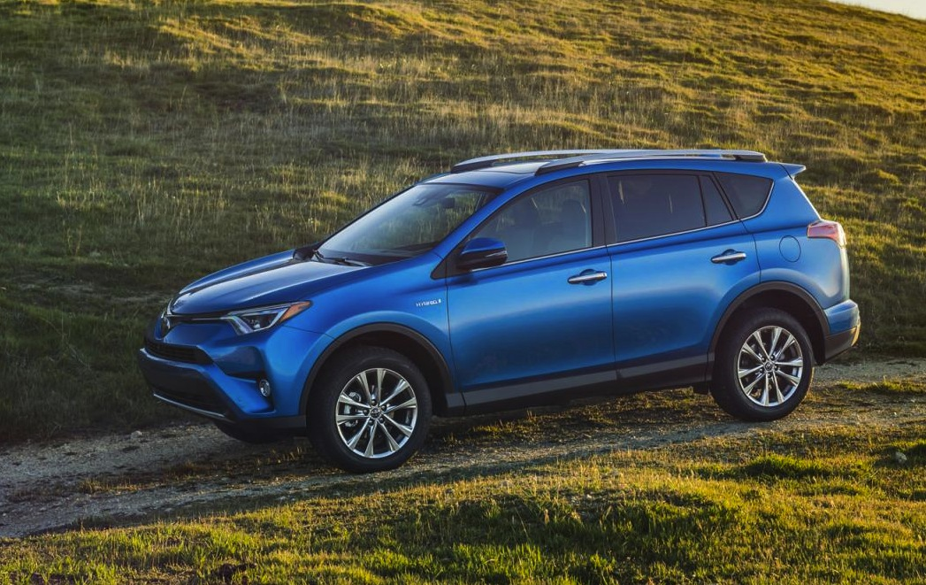 toyota rav4 hybrid unveiled based on 2016 facelift performancedrive. Black Bedroom Furniture Sets. Home Design Ideas