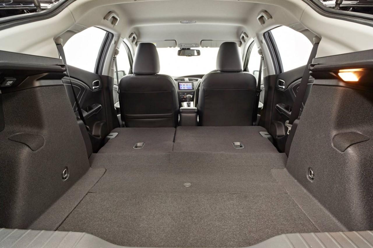 2015 honda civic hatch facelift now on sale in australia performancedrive. Black Bedroom Furniture Sets. Home Design Ideas