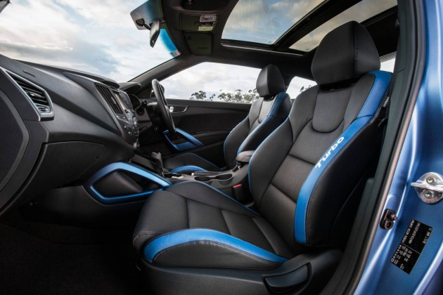 2015 Hyundai Veloster SR Turbo Series II-interior