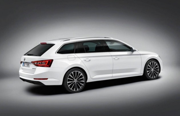 2015 Skoda Superb Combi-rear