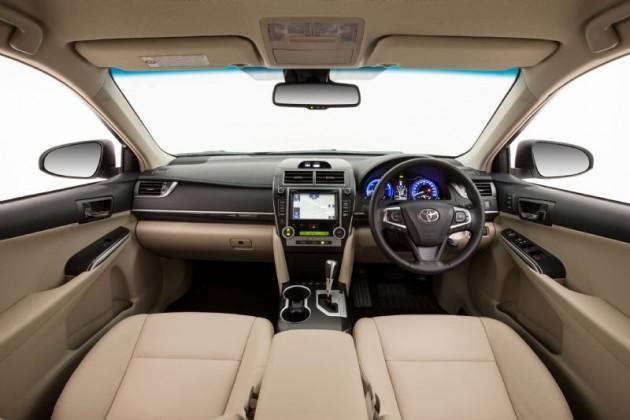 2015 Toyota Camry Atara SL hybrid-interior