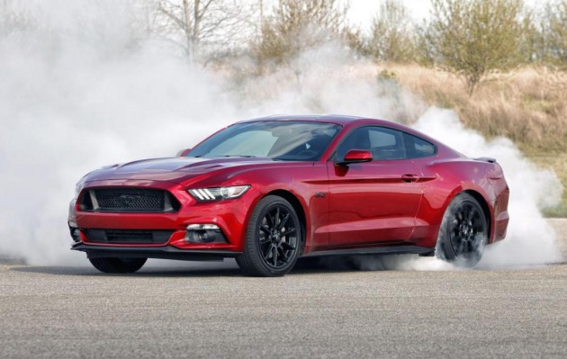 2016 Ford Mustang-burnout