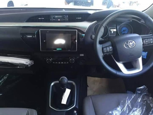 2016 Toyota HiLux dash