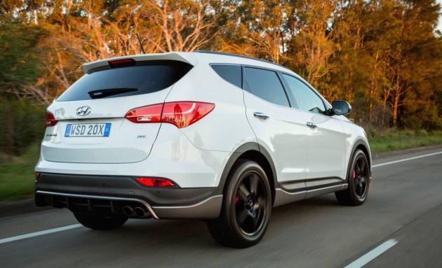 2015 Hyundai Santa Fe SR-rear
