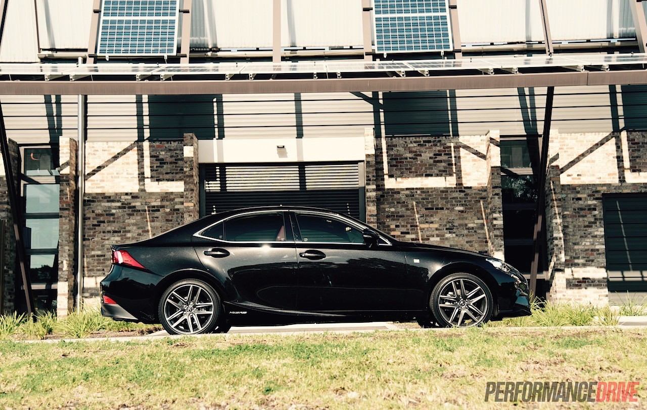 Lexus Is 300h F Sport Track Test Can You Have Fun In A