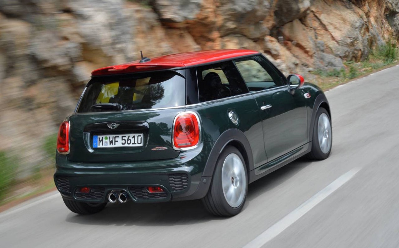 mini australia announces local prices specs for 2015 jcw performancedrive. Black Bedroom Furniture Sets. Home Design Ideas
