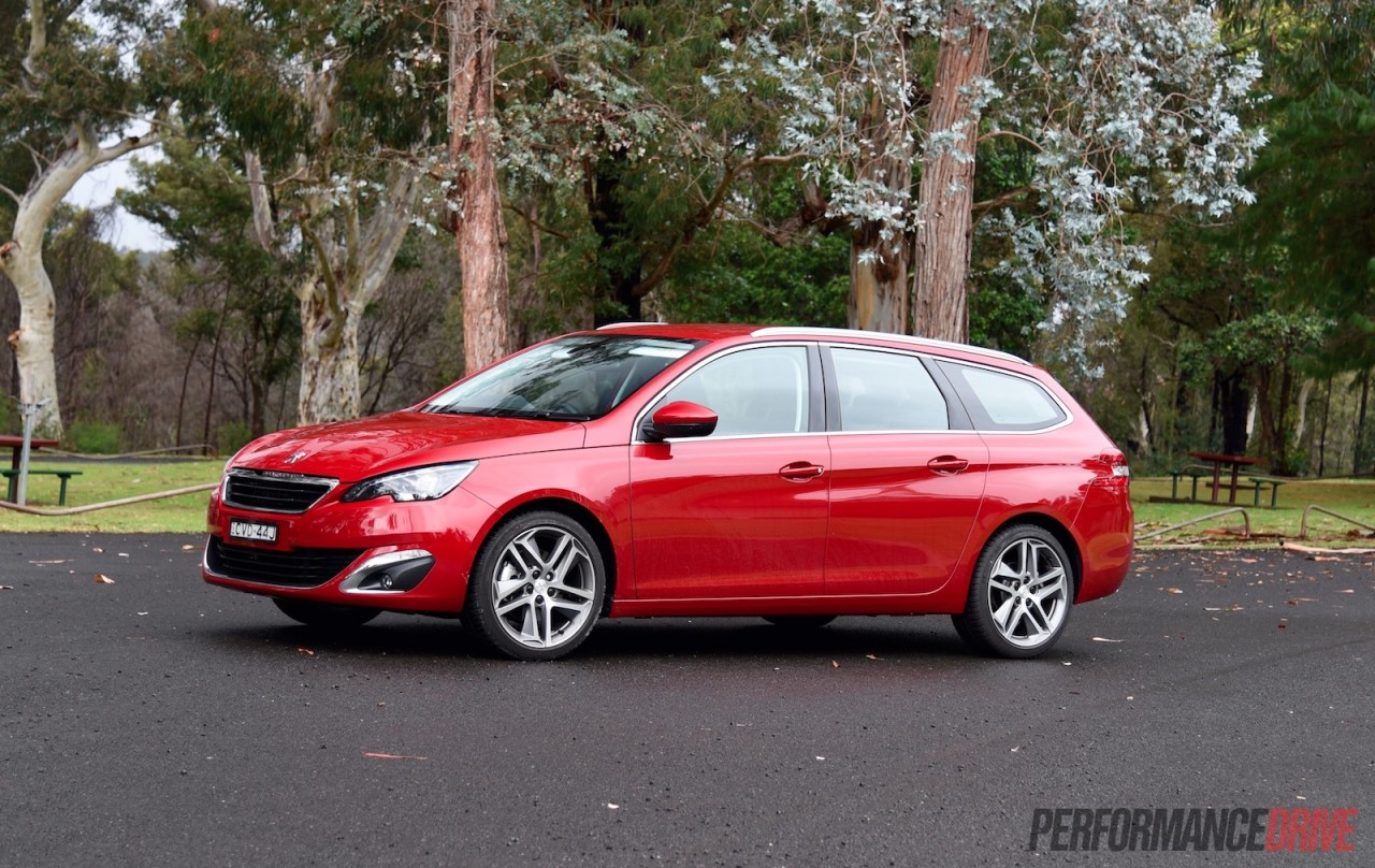 2015 Peugeot 308 Touring 1.6T Review (video