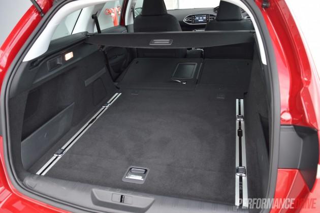 2015 Peugeot 308 Allure Touring-max cargo