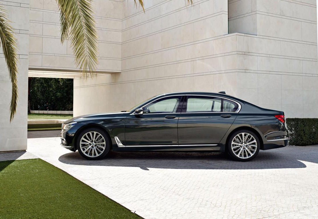 2016 bmw 7 series officially revealed performancedrive. Black Bedroom Furniture Sets. Home Design Ideas