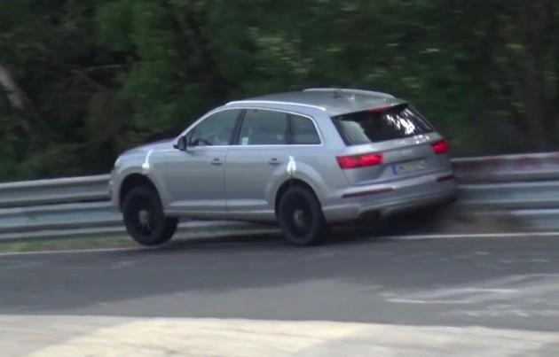 Audi SQ7 prototype crash