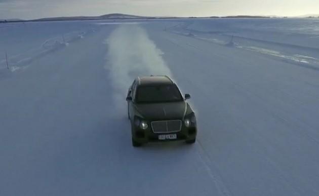 Bentley Bentayga snow preview