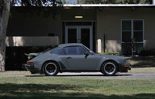 Porsche 911 Turbo-Steve McQueen-side