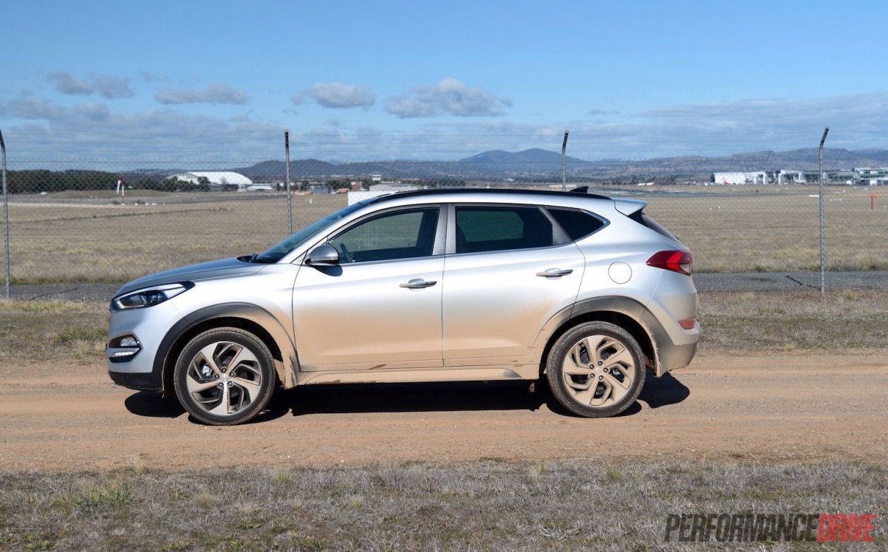 review awd eco reviews photo tucson t with horsepower economy price fuel car drive hyundai article