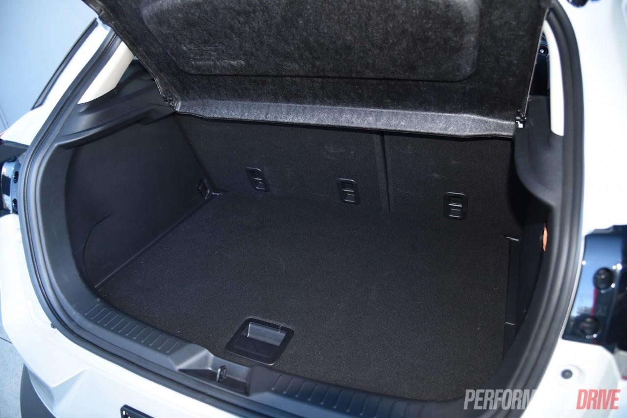 2015 mazda cx 3 maxx 1 5 diesel review video performancedrive. Black Bedroom Furniture Sets. Home Design Ideas
