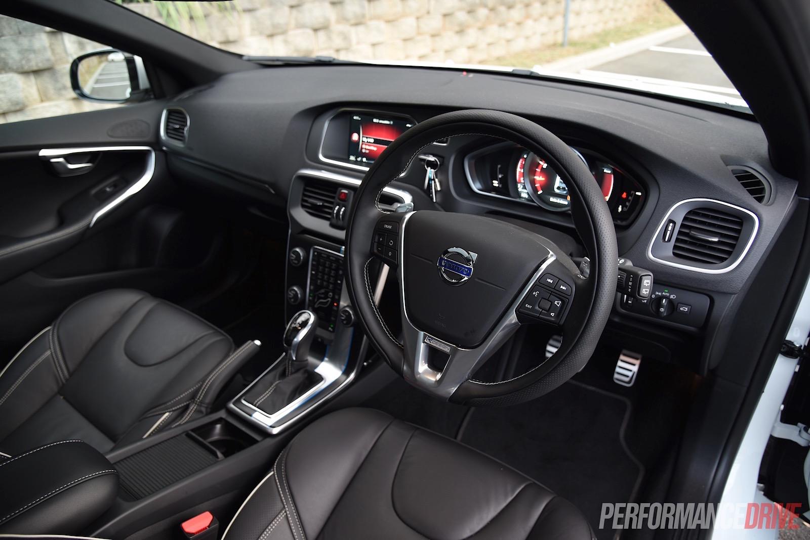 http://performancedrive.com.au/wp-content/uploads/2015/07/2015-Volvo-V40-T5-R-Design-interior.jpg