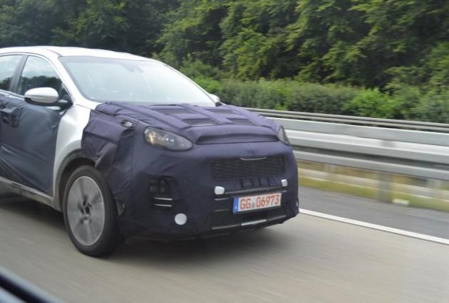 2016 Kia Sportage prototype-front