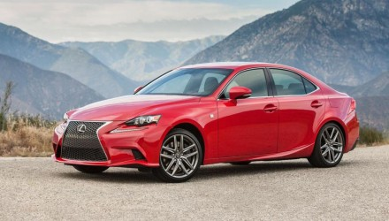2016 Lexus IS update revealed for USA, IS 300h gets 3.5L V6