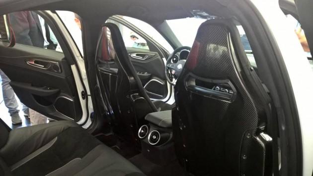 Alfa Romeo Giulia-front seats