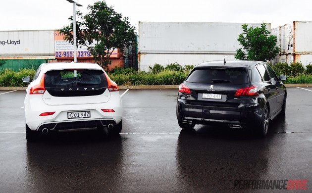 Volvo V40 T5 vs Peugeot 308 GT-rear