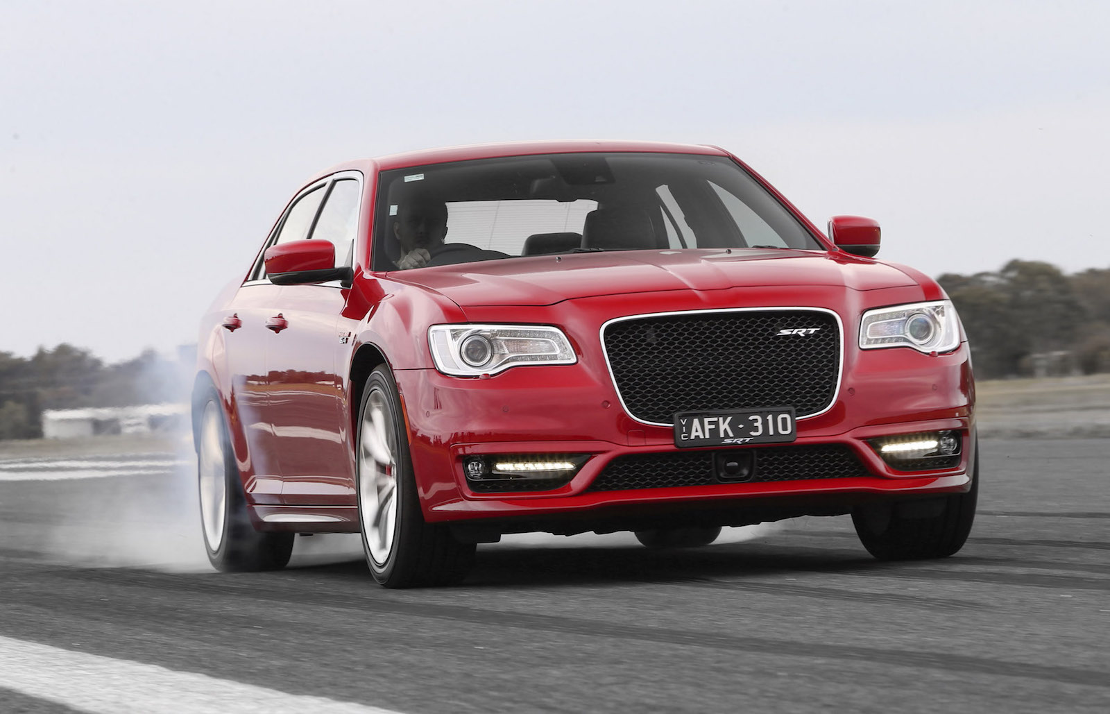 2015 chrysler 300 srt on sale in australia gets 8spd auto performancedrive. Black Bedroom Furniture Sets. Home Design Ideas