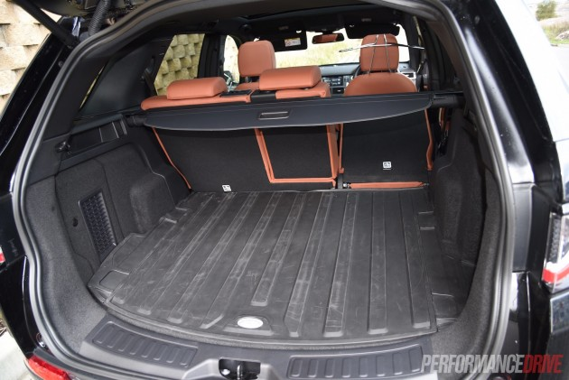 2015 Land Rover Discovery Sport HSE-cargo space
