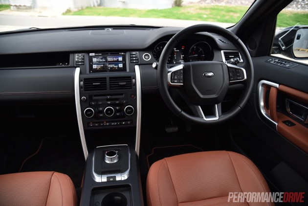 2015 Land Rover Discovery Sport HSE-dash