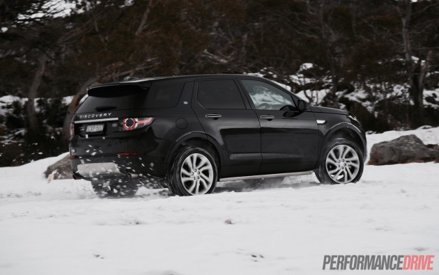 2015 Land Rover Discovery Sport HSE-snow