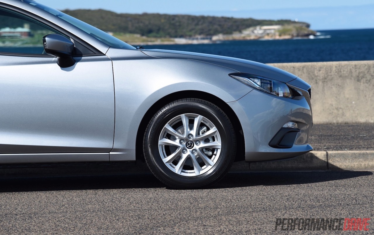 2015 Mazda3 Neo review video