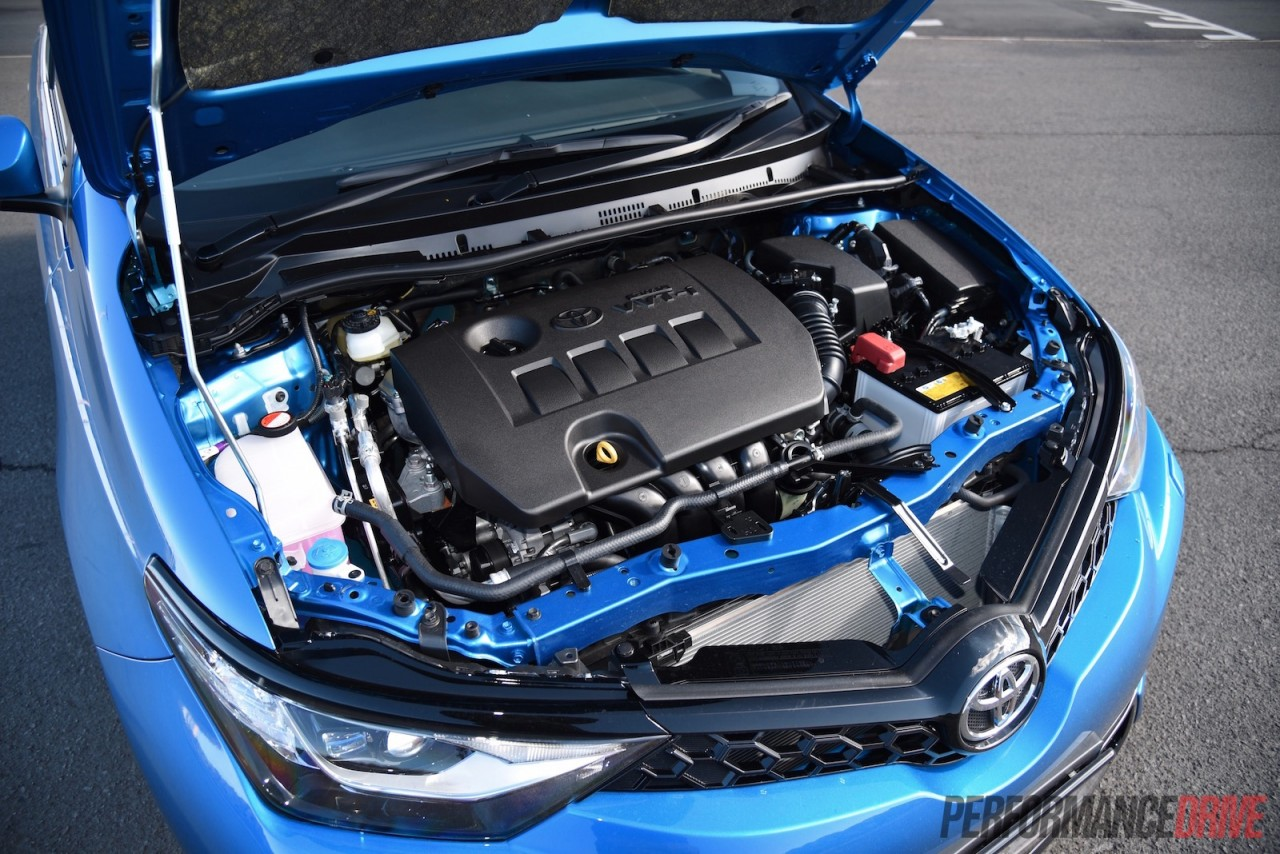 2015 Toyota Corolla hatch review (video) - ZR & Ascent ...
