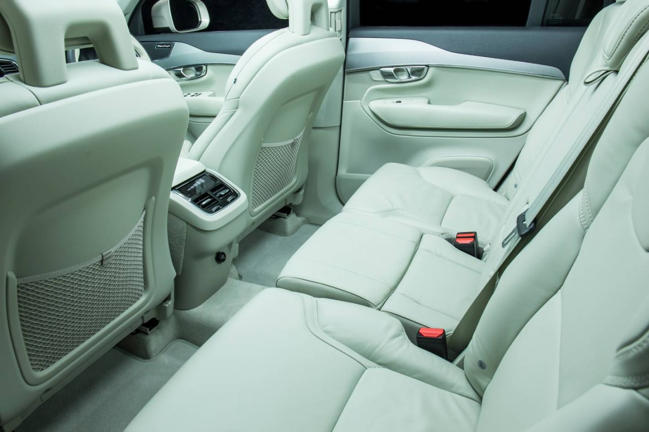 new volvo xc90 lands in australia d5 t6 t8 available. Black Bedroom Furniture Sets. Home Design Ideas