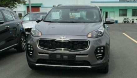 2016 Kia Sportage spotted, reveals new-look design (video)