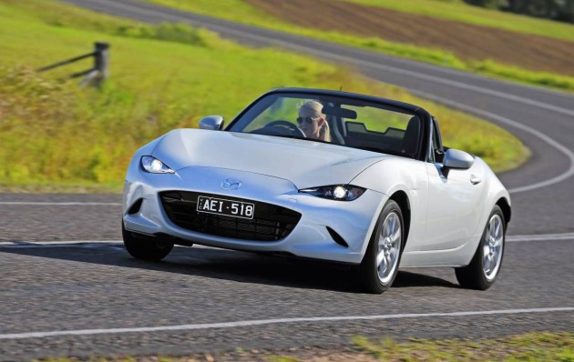 2016 Mazda MX-5 Roadster-headlights