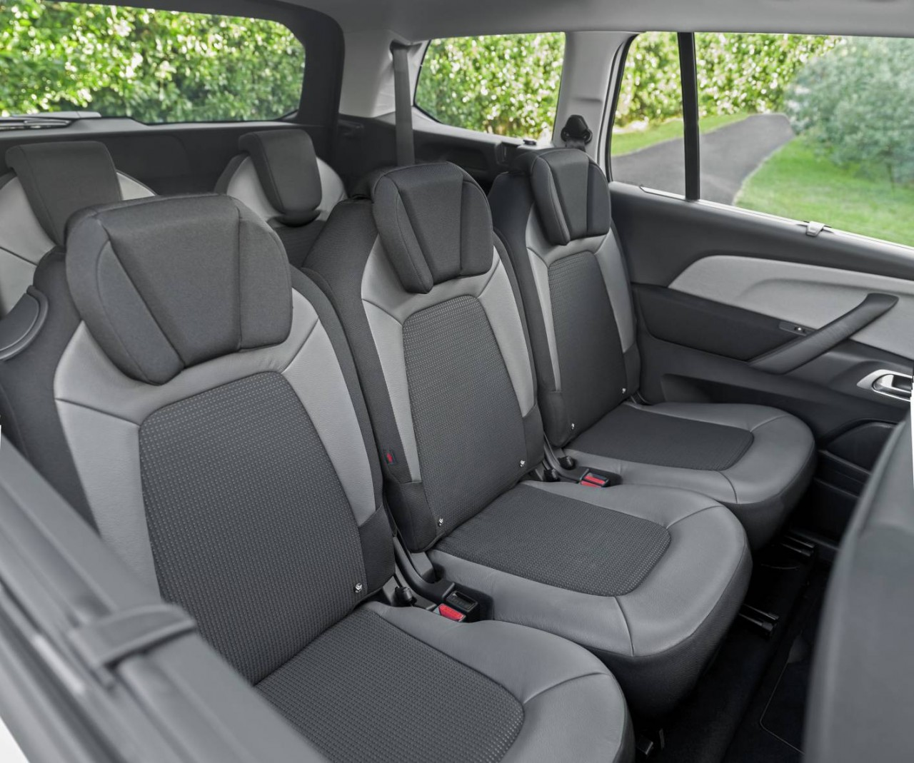Citroen Grand C4 Picasso Gains Third Row Air Con At No