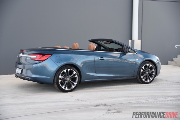 Holden Cascada-roof down