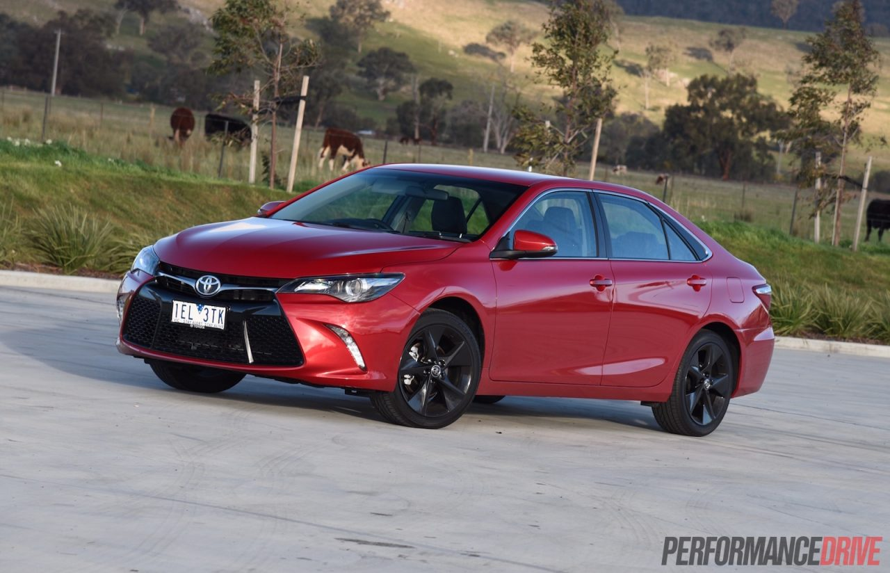 2015 toyota camry atara sx review video performancedrive. Black Bedroom Furniture Sets. Home Design Ideas