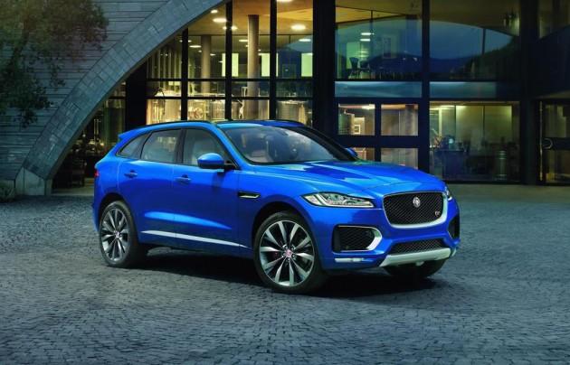 Jaguar F-PACE-blue