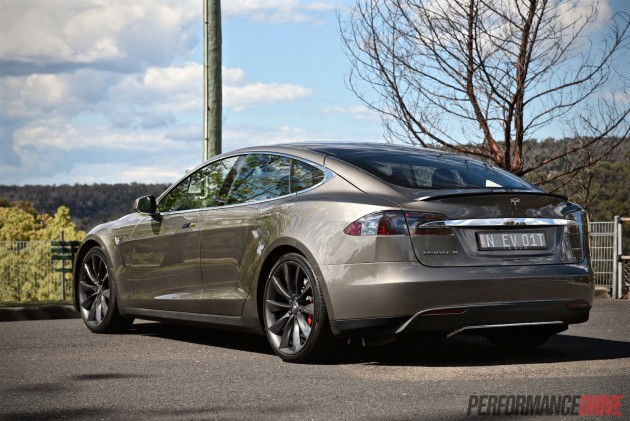 Tesla Model S P85D-low suspension