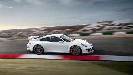 Porsche '911 R' on the way; GT3 engine, manual gearbox – report